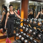 Bollywood actress Sonal Chauhan during her fitness workout session to promote her film 3G at Body Sculptor Gym in Juhu, Mumbai, on Monday. (Photo: IANS)